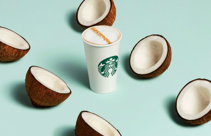 Starbucks объединилась с Oatly и расширила ассортимент напитков с растительным молоком
