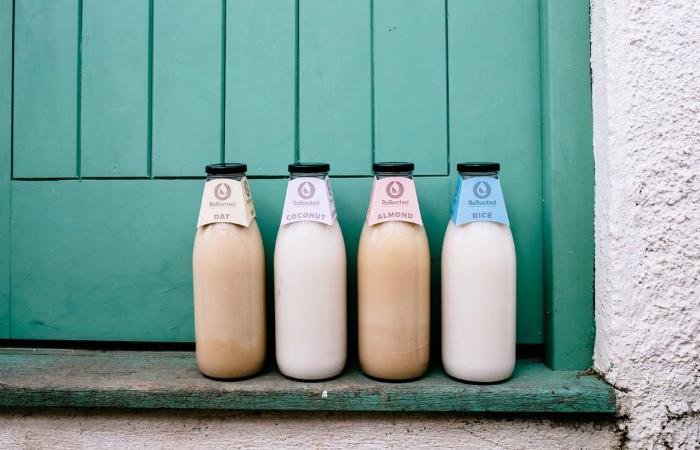 В Великобритании появится доставка веганского zero waste молока