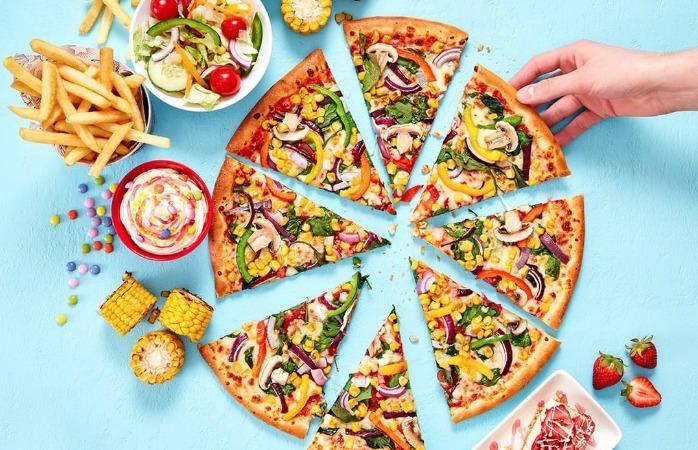 Британская Pizza Hut хочет заменить весь молочный сыр веганским, чтобы сократить выбросы компании