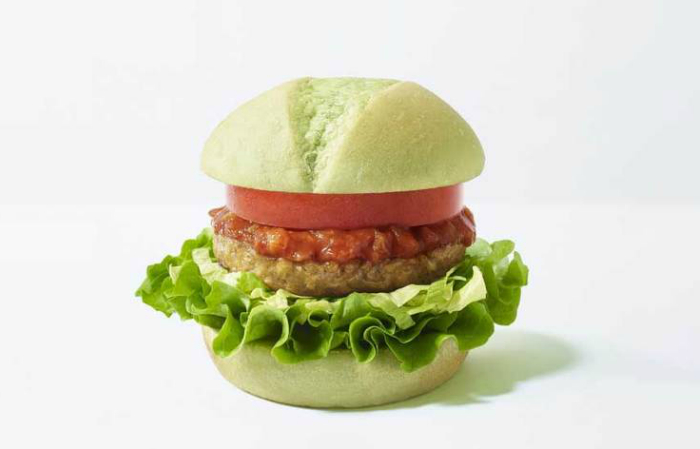 Самая популярная японская фастфуд сеть добавила веганский бургер в меню